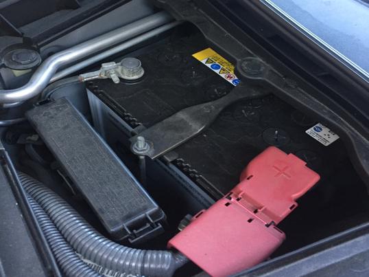 車がバッテリー上がりを起こしたときの対処方法と注意点
