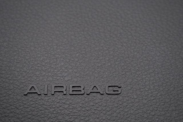 エアバッグの仕組みと安全な使用方法