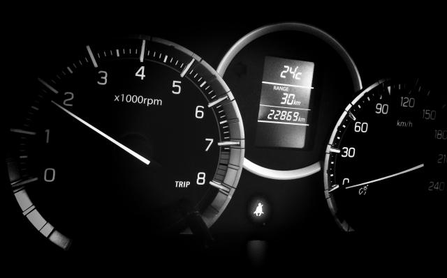 車を売るなら走行距離が何キロのタイミング?走行距離が査定額に与える影響